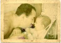 1970-_-claudio-bebe-e-papai